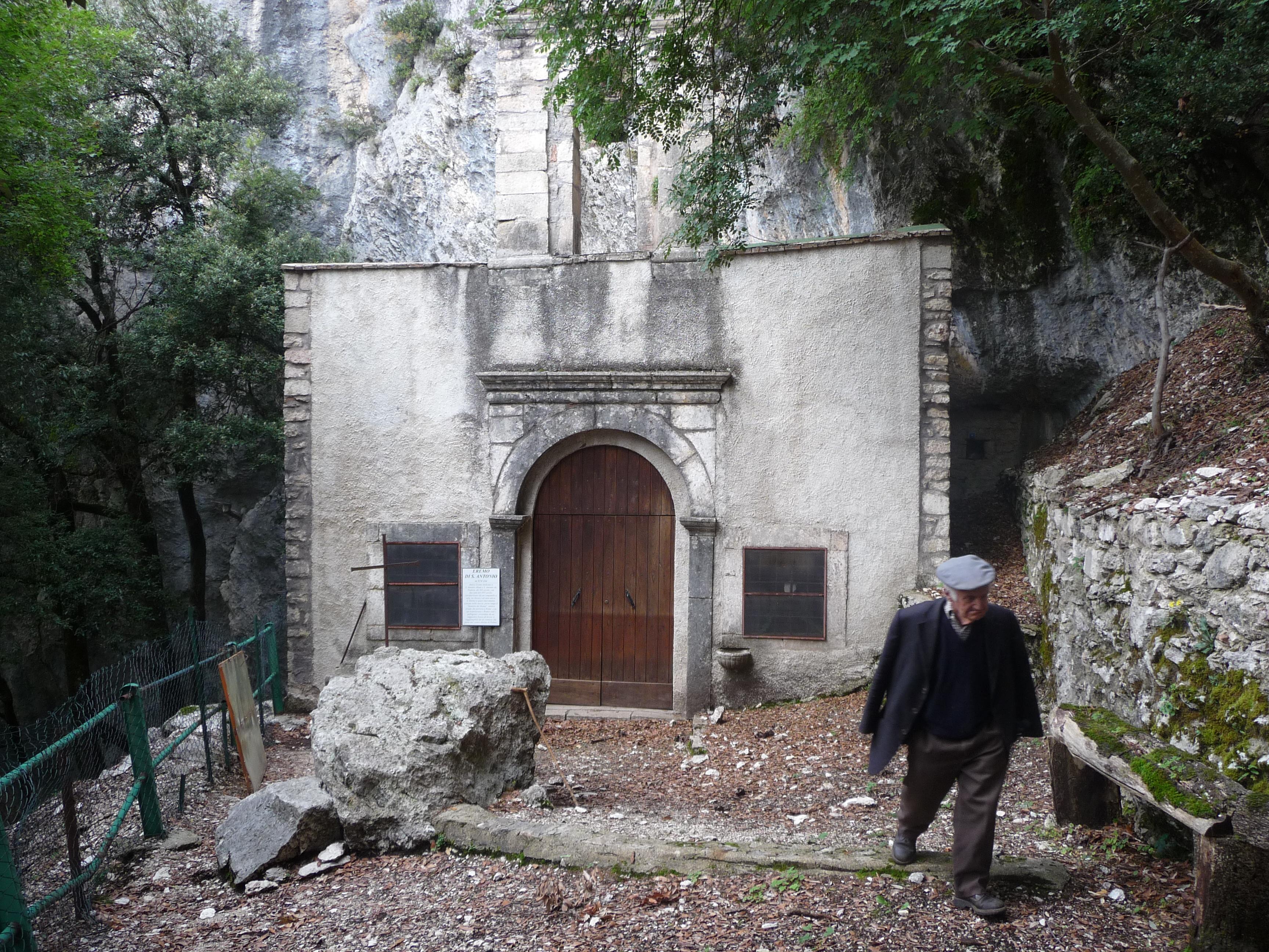 Curarsi con le pietre, i santuari terapeutici in Appennino