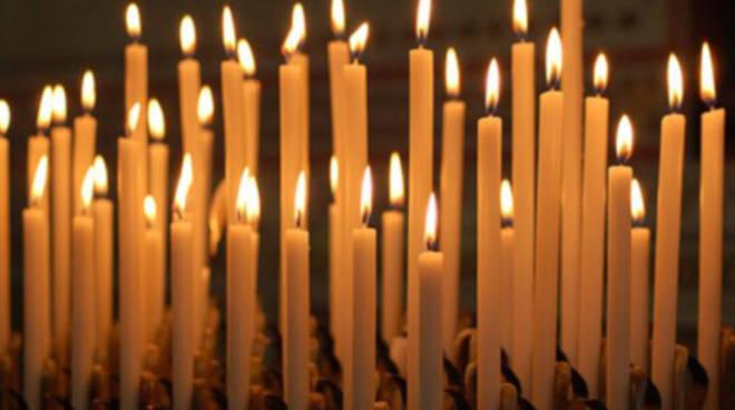 Le luci della candelora sull'Appennino